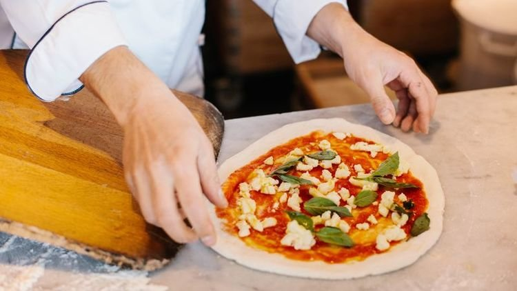 Three Unique and Creative London Pizza Crusts