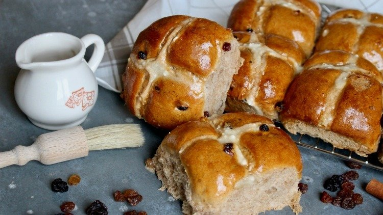 Hot Cross Buns Recipe from Le Pain Quotidien